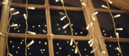 5 Holiday Inspirations for Window Decorating