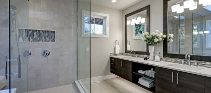 Sliding vs Hinged Glass Shower Door